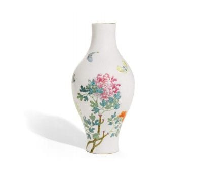 Extremely rare sgraffiato-ground famille-rose vase, from the Qianlong period. Estimate: £200,000-300,000