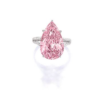 SUPERB AND HIGHLY IMPORTANT FANCY VIVID PURPLE-PINK DIAMOND AND DIAMOND RING, MOUNTED BY SOTHEBY'S DIAMONDS