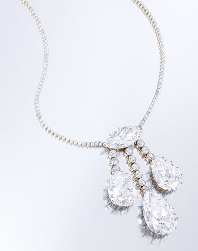 FROM THE ESTATE OF HELEN HAY WHITNEY, THENCE BY DESCENT A MAGNIFICENT PLATINUM-TOPPED GOLD AND DIAMOND NECKLACE Estimate  2,500,000 — 3,500,000  USD