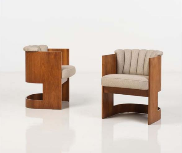 Vladimir Kagan (né en 1927) Pair of chairs Wood and textile Creation date: around 1960 H 28,7 x L 22,4 x W 22,4 in €2,000-3,000