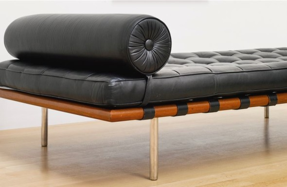 """LUDWIG MIES VAN DER ROHE """"BARCELONA"""" DAYBED"""