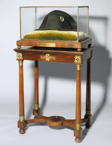 IMPERIAL BLACK FELT BICORNE CAMPAIGN HAT CIRCA 1806, ATTRIBUTED TO POUPART & CO.
