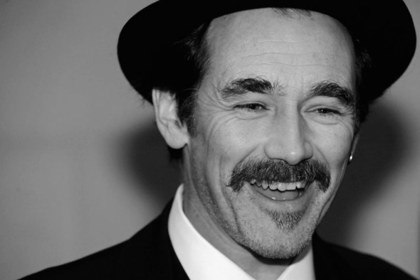 British actor Mark Rylance talks to the media as he arrives to attend the 2010 Laurence Olivier Awards in central London March 21, 2010.      REUTERS/Jas Lehal      (BRITAIN - Tags: ENTERTAINMENT HEADSHOT) - RTR2BWO2