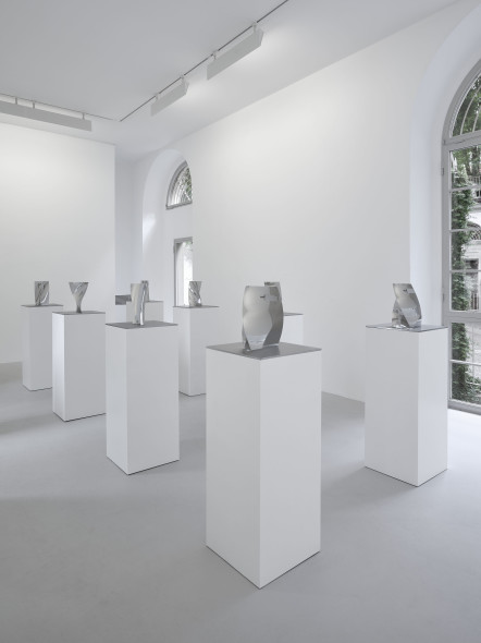 Anish Kapoor, Lisson Gallery Milan, 13 May- 22 July 2016, Installation view.Copyright Anish Kapoor ; Courtesy Lisson Gallery. Photography: Jack Hems