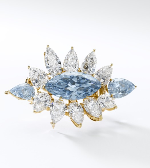 405 World auction record price for a jewel by Reza Important Fancy Intense Blue diamond brooch, Reza, marquise-shaped weighing 6.64 carats and two pear-shaped weighing 2.01 and 1.01 carats SELLS FOR $13,672,493 (CHF 13,354,000) Est. $10 - 14 million Previous record price for a jewel by Reza: A rare diamond ring by Alexandre Reza, with diamonds weighing 5.02 carats (Fancy Vivid Blue) and 5.42 carats, sold for US$ 6,321,531 at Sotheby's Geneva in May 2010.