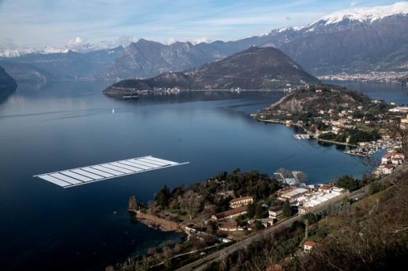 Aerial view of the project's building yard on the Montecolino peninsula (right) and the temporary storage on Lake Iseo (left), February 2016 Photo: Wolfgang Volz