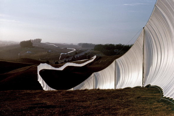Christo and Jeanne-Claude  Running Fence, Sonoma and Marin Counties, California, 1972-76  Photo: Jeanne-Claude  © 1976 Christo