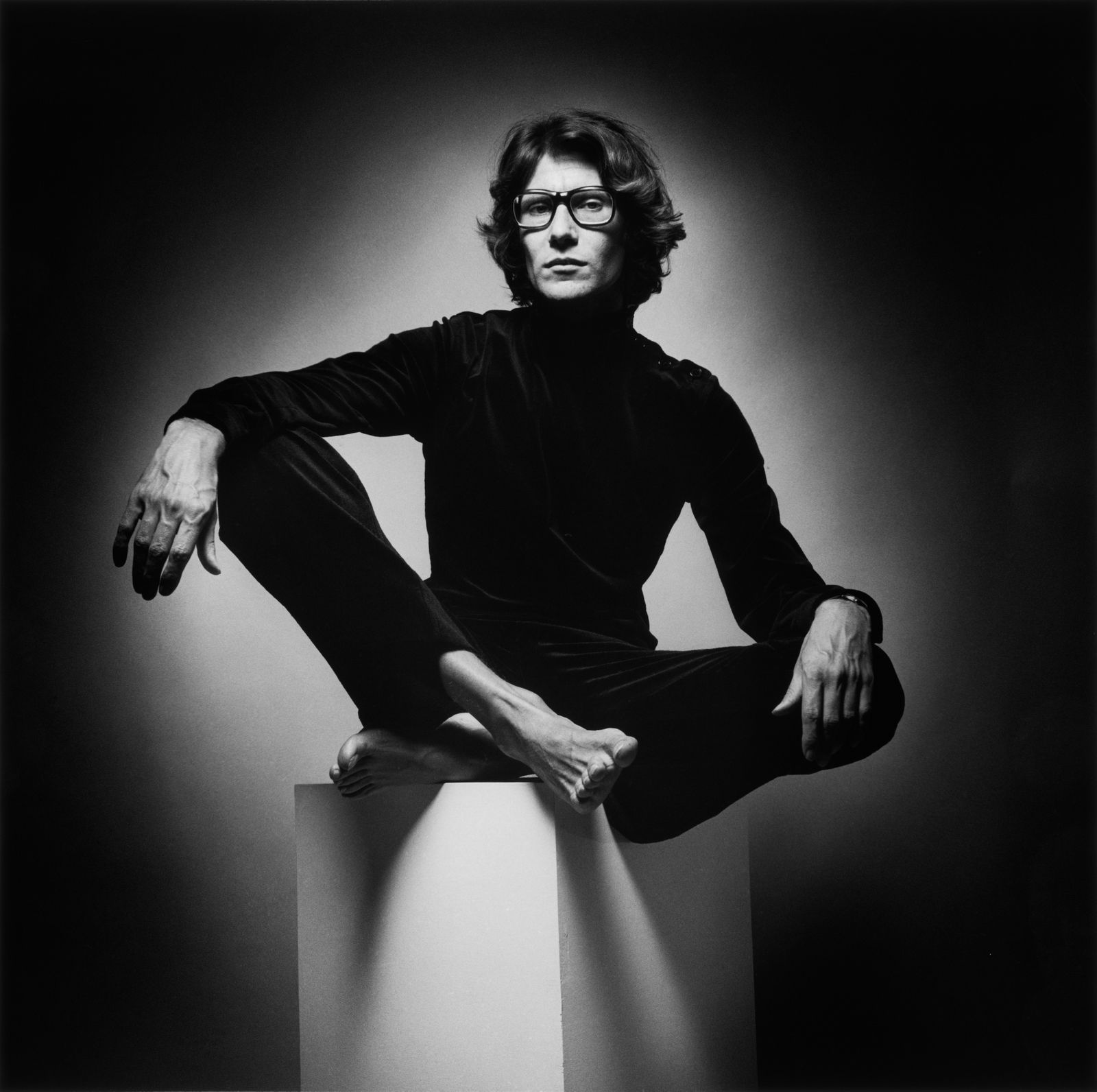 l 39 1 agosto 1936 nato yves saint laurent buon compleanno. Black Bedroom Furniture Sets. Home Design Ideas