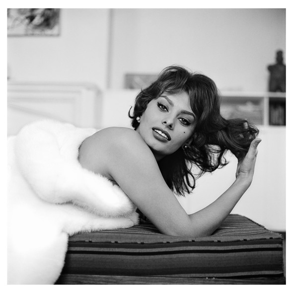 Sophia Loren courtesy by Tony Vaccaro Studio