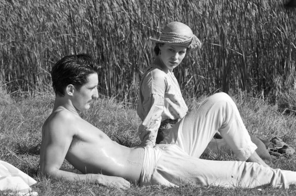"Pierre Niney e Paula Beer in ""Frantz"", François Ozon"