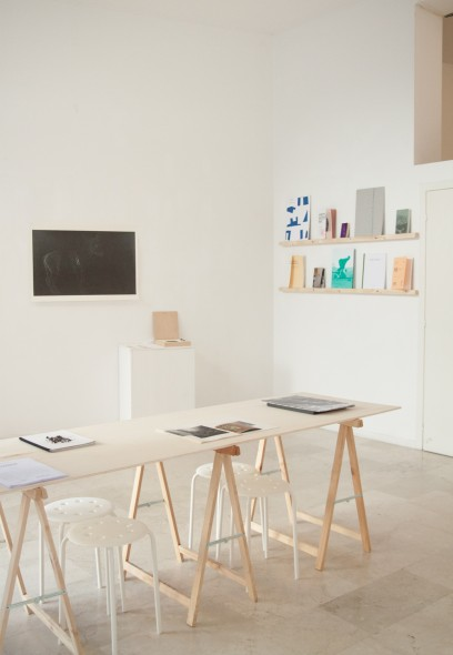 ouvrage-artist books exhibition-curated by archipelago