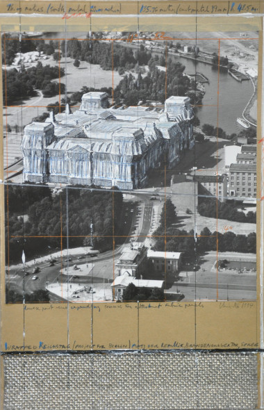 CHRISTO Wrapped Reichstag Project 1994, tecnica mista – 57,5x36 cm Courtesy Galleria Tega, Milano