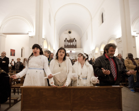 Maddelena, 11 years old,  Francoise her mother, Ilona 12 years old, her sister, and Thierry  her father,  the day of their first communion, during the ceremony at the Saint Cleophas Church of Montpellier.