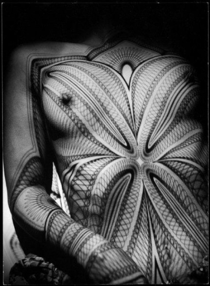 Werner Bischof, Breast with grid, Zurich, Switzerland, 1941 © Werner Bischof / Magnum Photos