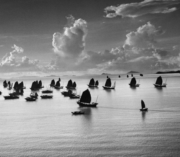 Werner Bischof, Harbour of Kowloon, Hong Kong, 1952 © Werner Bischof / Magnum Photos