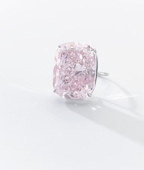 "SOTHEBY'S PRESENTA IN ASTA ""THE RAJ PINK"""