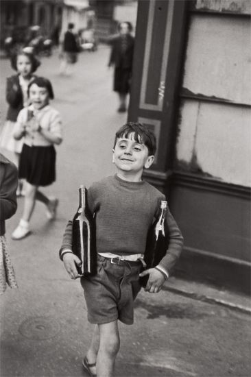 Lotto  2 Henri Cartier-Bresson, Rue Mouffetard, Paris, 1952 $15,000 - 25,000 $43,750 £32,747/€37,209