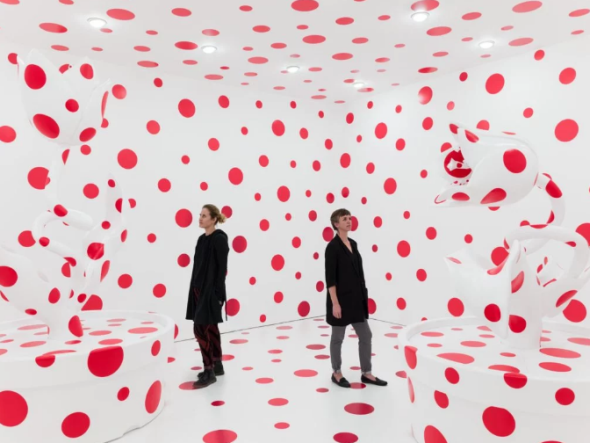 Yayoi Kusama With All My Love For The Tulips, I Pray Forever (2011, courtesy David Zwirner)
