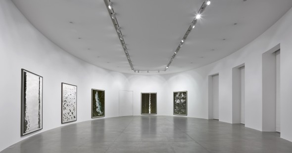 """""""Andreas Gursky: Bangkok"""" Installation view at Gagosian Rome Artworks © Andreas Gursky/SIAE, Italy  Photo by Matteo D'Eletto"""