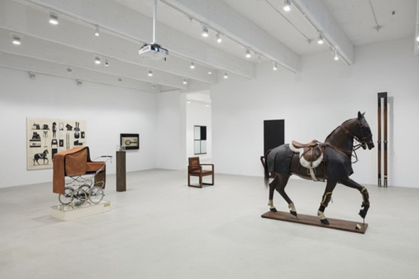 Fabio Mauri. With Out, Hauser & Wirth New York (© Estate Fabio Mauri, courtesy the Estate and Hauser & Wirth, foto Timothy Doyon)