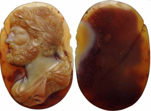 Cammeo in sardonica con busto di Caracalla 210/217 d.C. 25x17x4 mm Lotto 322 – 18.500/23.000 GBP