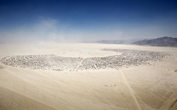 Black Rock City, veduta aerea. Photo by  Scott London.
