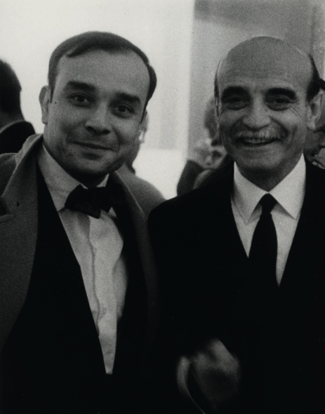 Yves Klein and Lucio Fontana, Paris, Galerie Iris Clert, November, 1961. Photograph by Harry Shunk and Janos Kender. © J. Paul Getty Trust. The Getty Research Insitute, Los Angeles. (2014.R.20). Gift of the Roy Lichtenstein Foundation in memory of Harry Shunk and Janos Kender.
