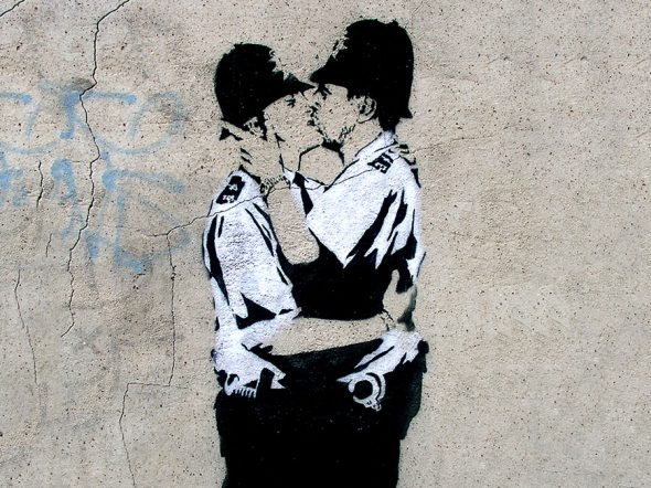 Banksy, Kissing Coppers