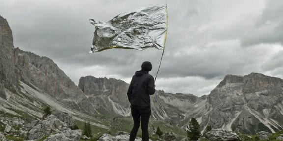 Mrova, Landschaft Macht Kapital (2015), documentazione video dell'intervento, HD video, 16:9, audio stereo. 5:30 min, June 2015, Dolomites, South Tyrol, FuturDome The Uncanny Valley 2019