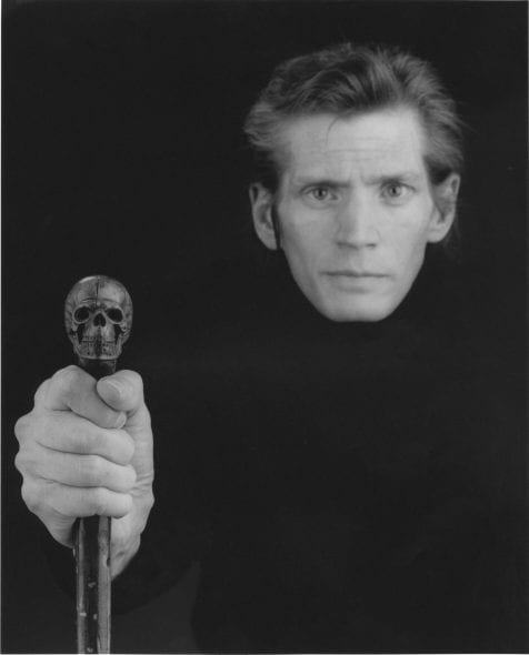 Robert Mapplethorpe_04 Robert Mapplethorpe Self - portrait , 1988 64,9 x 50,8 cm. © Robert Mapplethorpe Foundation. Used by permission.