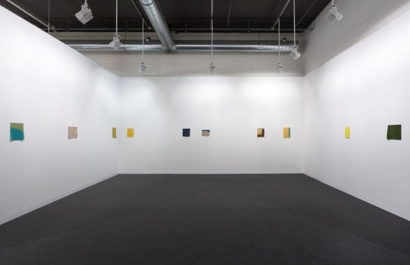 Helen Mirra & Allyson Strafella, Fieno (Hay), 2019 Installation view at Art Basel Feature 2019, Hall 2.1, Booth T8 Ph. Andrea Rossetti
