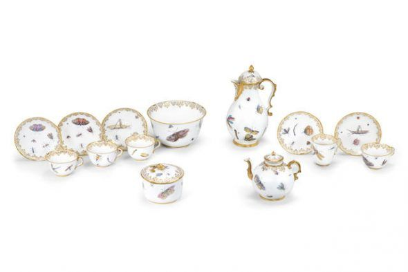An exceptional Capodimonte porcelain tea and coffee service, circa 1750 £ 80,000 - 120,000 € 90,000 - 130,000
