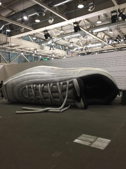 ART BASEL | Installazione di Olaf Nicolai ad Unlimited. Big Sneaker [The Nineties], 2001.  Galerie Eigen + Art