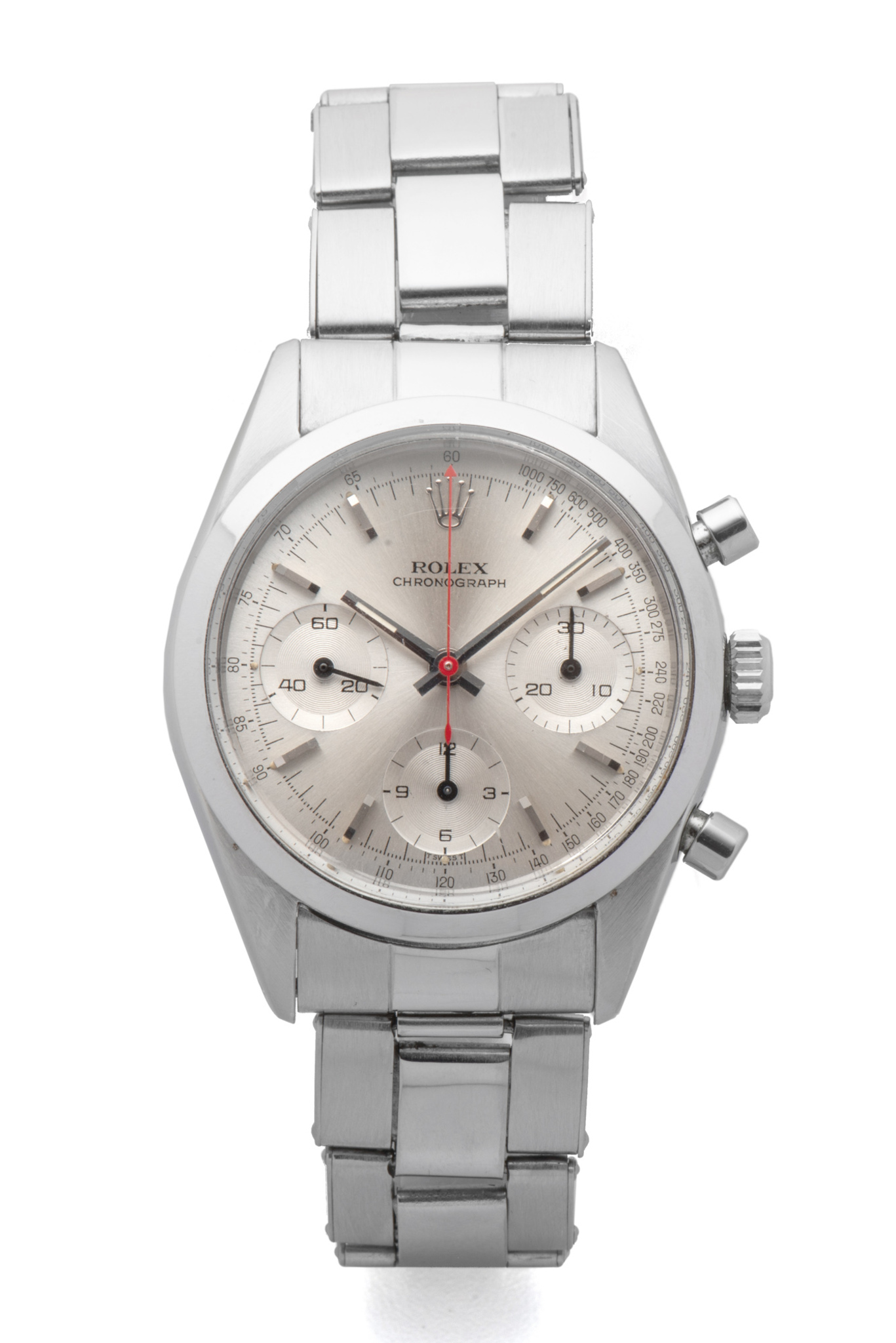 LOT 103 ROLEX, REF. 6238, PRE-DAYTONA, GEORGE LAZENBY « JAMES BOND », STEEL Fine and extremely rare, stainless steel, manual-winding wristwatch with silver dial, three registers and red chronograph hand. Rarissime et superbe chronographe en acier. Boîtier rond. Couronne et fond vissés. Cadran argent avec trois compteurs. Trotteuse centrale du chronographe rouge. Mouvement mécanique manuel. BrandRolex Reference6238 YearCirca 1965 Calibre 722 Case No.1206513 Bracelet Rolex Oyster riveted stainless steel 7205/06 Dimensions36 mm SignatureCase, dial and movement AccessoriesOriginal invoice from Bucherer, Christie's London sale purchase invoice, Bijoux Signés Ltd. purchase invoice, black and white picture of a scene of the motion picture with Caterina Von Shell and George Lazenby. EUR 300,000 - 500,000