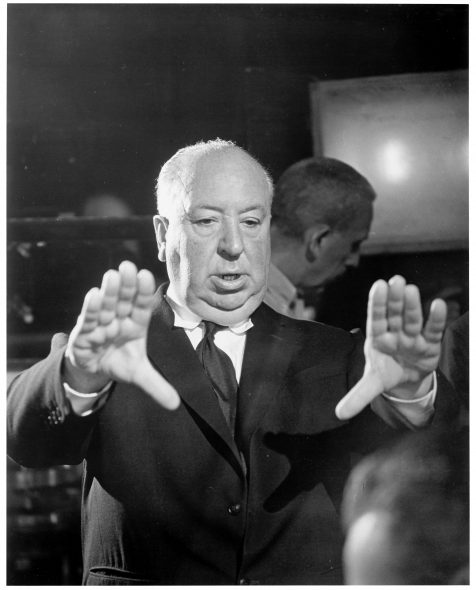 Alfred Hitchcock sul set di Psyco © Universal Pictures