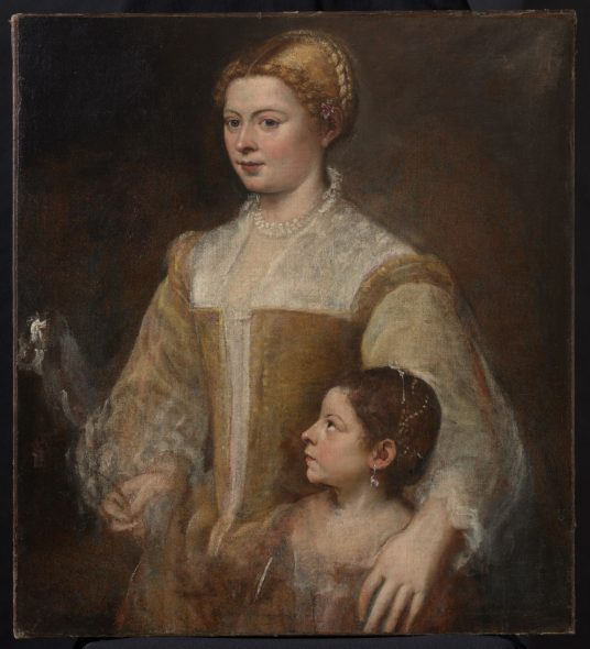Tiziano Vecellio 1488–1576 Ritratto di dama con la figlia / Portrait of a Lady and her Daughter (1550 ca./c.) Olio su tela / Oil on canvas, cm 88,30 x 80,70 Collezione privata / Private collection